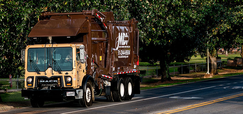 Mark Dunning, Inc. offers garbage and recycling services to commercial and residential communities in AL, FL, GA, MS and TX