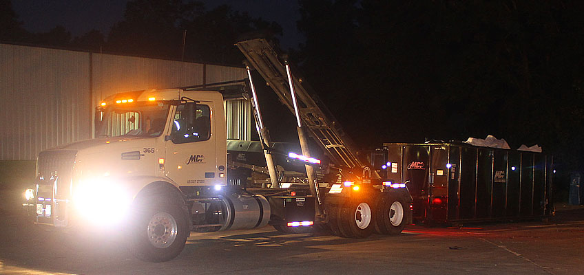 MDI Roll-off Truck with Hydraulic Extended