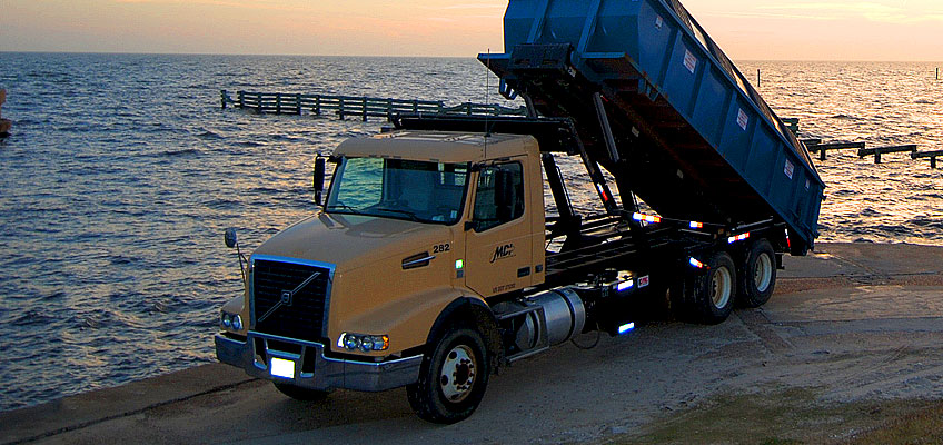 MDI Truck with Roll-off Recycling Container